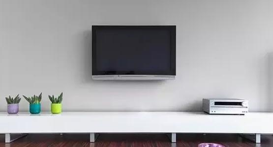 Porta Tv Al Muro.Tv A Muro Vi Spieghiamo Come Montarne Correttamente Una